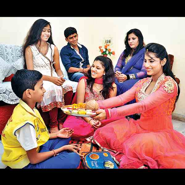 Bhau-Beej: Hindus Celebrate Brothers and Sisters in Festival Observed on Last Day of Diwali