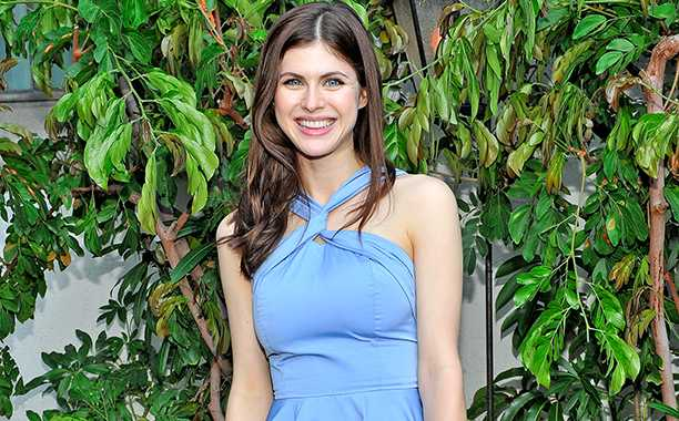 Baywatch: Alexandra Daddario Joins Cast of Upcoming Film Based on Lifeguard TV Series
