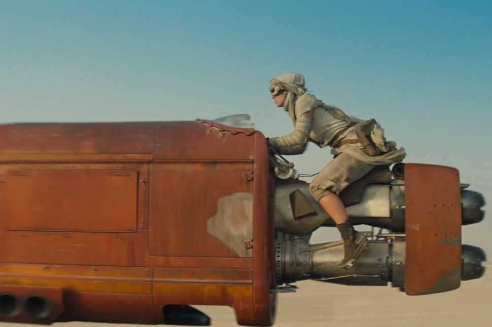 Star Wars: The Force Awakens: Disney Releases 1st TV Spot for Upcoming Film