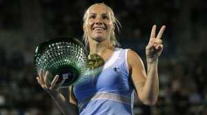 Svetlana Kuznetsova rolls back demolishes Monica Puig to win Sydney International title