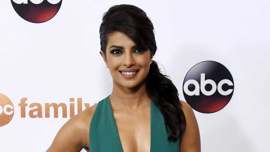 Priyanka Chopra: 'Baywatch' role Affirmed, 'Quantico' Celebrity To Play Villain In Picture (VIDEO, PICTURE)