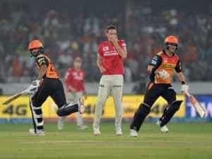 Kings XI Punjab vs Sunrisers Hyderabad IPL 2016 Live Cricket Score: KXIP Off to Steady Start