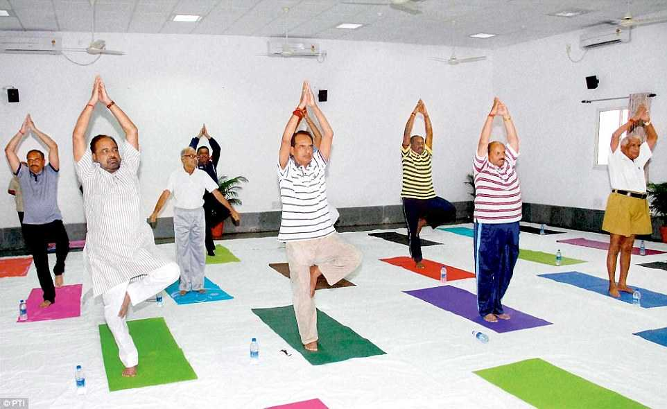 World Yoga Day 2016 Images Asanas and Banner